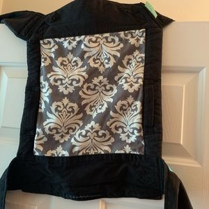 Infantino Sash Wrap and Tie Baby Carrier